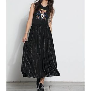 Easy pull on maxi skirt with shine